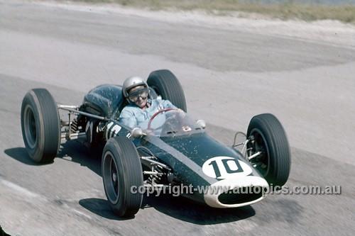 64557 - Bruce McLaren, Cooper Climax - Lakeside 1964