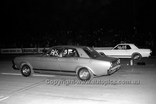 67944 - Surfers Paradise Drags 26th August 1967 - Photographer Lance J Ruting
