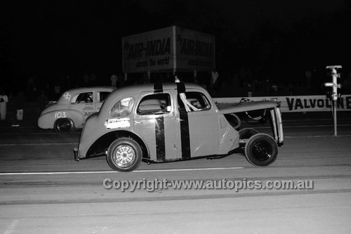 67937 - Surfers Paradise Drags 26th August 1967 - Photographer Lance J Ruting