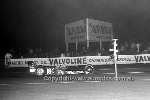 67933 - Surfers Paradise Drags 26th August 1967 - Photographer Lance J Ruting