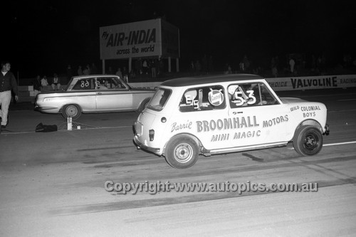 67926 - Surfers Paradise Drags 26th August 1967 - Photographer Lance J Ruting