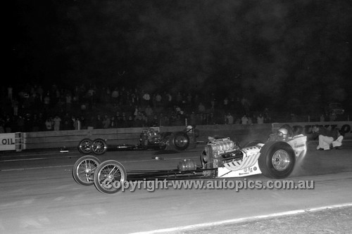 67921 - Surfers Paradise Drags 26th August 1967 - Photographer Lance J Ruting