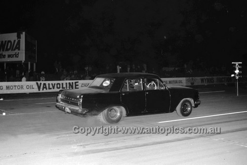 67912 - Holden EH  - Surfers Paradise Drags 26th August 1967 - Photographer Lance J Ruting