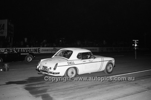 67909 - M. Dyer, MGB  - Surfers Paradise Drags 26th August 1967 - Photographer Lance J Ruting