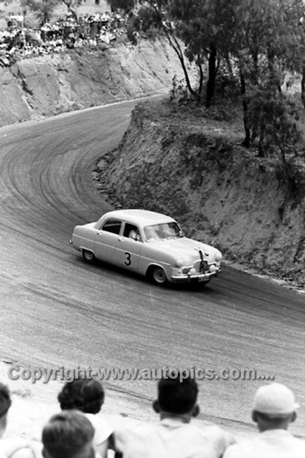 55003 - E. Laker Ford Zephyr - Bathurst Easter 1955