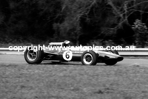 Jim Clark  -  Lotus 33 Climax V8  Warwick Farm  1967