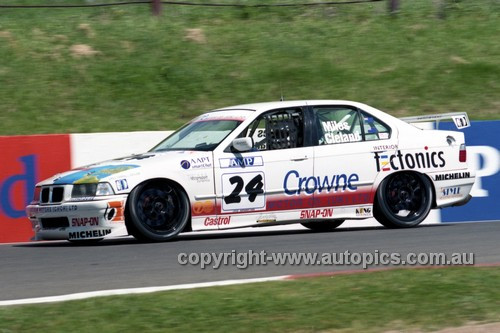 98862 - BRUCE MILLS / MURRAY CLELAND, BMW318i - AMP 1000 Bathurst 1998 - Photographer Marshall Cass