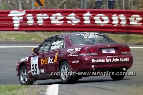 98855 - TOM WATKINSON / CALVIN GARDINER, MAZDA 626 - AMP 1000 Bathurst 1998 - Photographer Marshall Cass