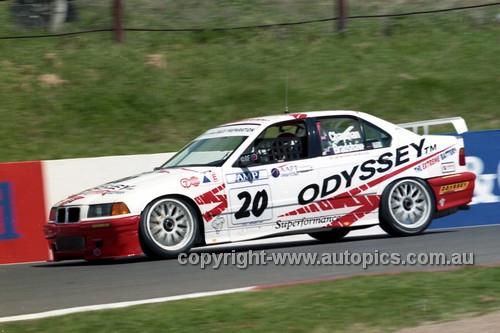 98854 - DENNIS CHAPMAN / BRIAN BRAOSHAW, BMW 320i - AMP 1000 Bathurst 1998 - Photographer Marshall Cass
