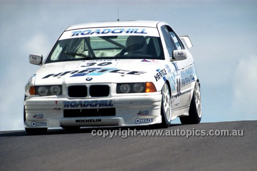 98848 - TROY SEARLE I LUKE SEARLE, BMW 320i - AMP 1000 Bathurst 1998 - Photographer Marshall Cass