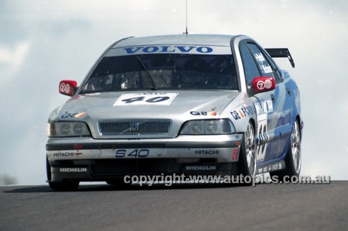 98834 - JIM RICHARDS / RICKARD RYDELL, VOLVO S40 - AMP 1000 Bathurst 1998 - Photographer Marshall Cass