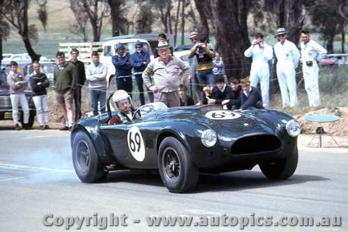 67412  -  Thorpe  -  Cobra - Bathurst Hill Climb 1967