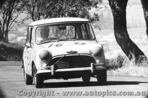 67704  -  Gray / Holland  -  Bathurst 1967 - Class B  winner -1965  Morris Cooper