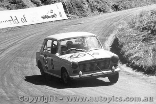 67706  -   Richardson / Whiteman  -  Bathurst 1967 - Morris 1100S