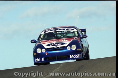 Bathurst FIA 1000 15th November 1999 - Photographer Marshall Cass - Code MC-B99-1007