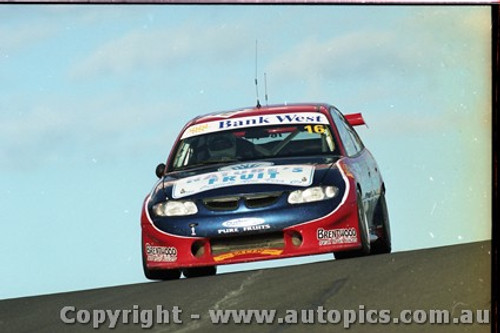 Bathurst FIA 1000 15th November 1999 - Photographer Marshall Cass - Code MC-B99-1008