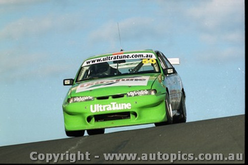Bathurst FIA 1000 15th November 1999 - Photographer Marshall Cass - Code MC-B99-1009