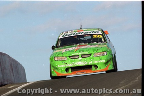 Bathurst FIA 1000 15th November 1999 - Photographer Marshall Cass - Code MC-B99-1017