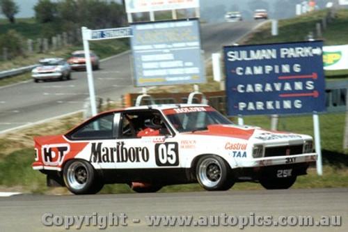 78704  -  P. Brock / J. Richards  -  Bathurst 1978  1st Outright & Class A Winner  Holden Torana A9X