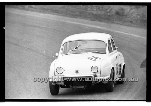 Allan Johns Renault - Amaroo Park 13th September 1970 - 70-AM13970-124