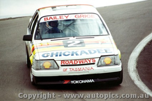 86701  -  G. Bailey / A. Grice    Bathurst 1986  1st Outright  Commodore VK