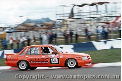 86715  -  Mulvihill / Mathews    Bathurst 1986  Commodore VK