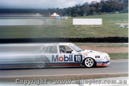 87704  -  Brock / Parsons / McLeod    Bathurst 1987  1st Outright   Commodore VL