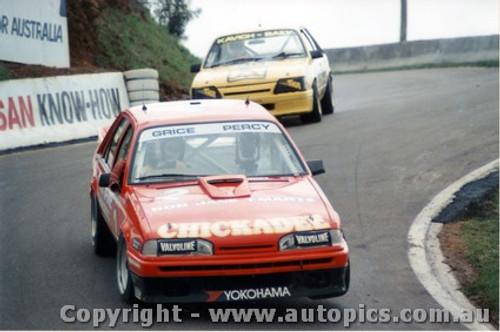 87706  -  G. Bailey / A. Grice    Bathurst 1987   Commodore VL