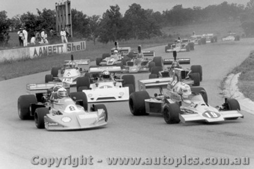 78601  -  First Lap - 1978 Tasman Series Oran Park  -  Cannon-Hamilton and the rest of the field.