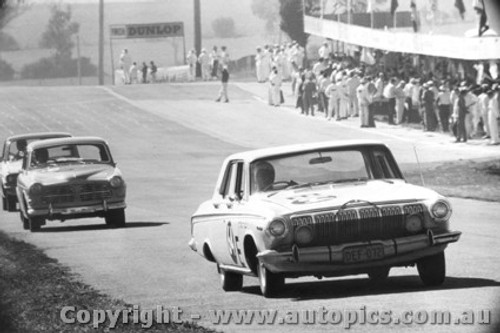67712 - Sharp / Derriman -  63 Dodge Phoenix Auto ahead of Lister / Seldon -  66 Volvo 122s - Bathurst 1967