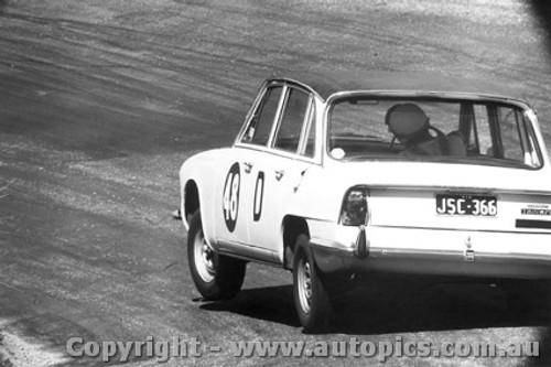 67713 - Young / Thurston - Triumph  Batthurst 1967
