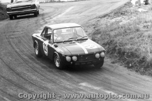 68043 - G. Ward Lancia Fulvia - Bathurst April 1968