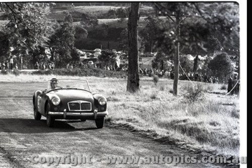 Rob Roy HillClimb 1959 - Photographer Peter D'Abbs - Code 599153