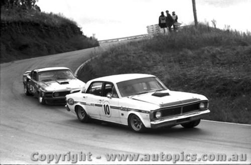 72023 - Geogeghan s  Falcon / Moffat s Mustang - Bathurst 1972