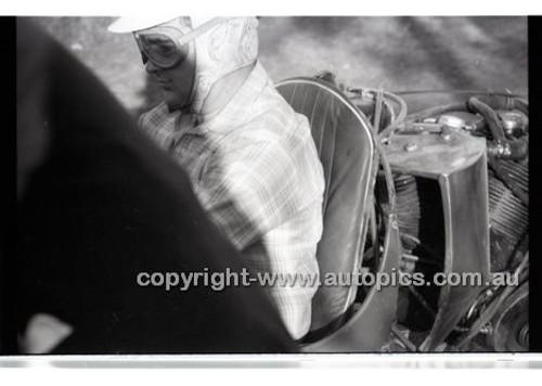Rob Roy HillClimb 1st June 1958 - Photographer Peter D'Abbs - Code RR1658-002