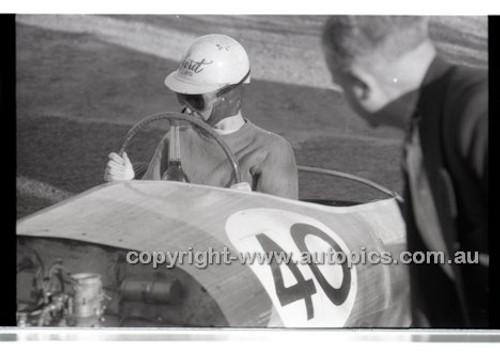 Rob Roy HillClimb 1st June 1958 - Photographer Peter D'Abbs - Code RR1658-004