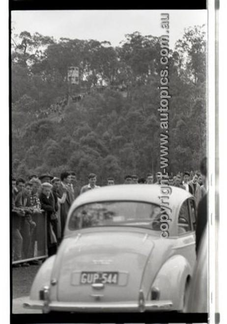 Rob Roy HillClimb 10th August 1958 - Photographer Peter D'Abbs - Code RR1658-106