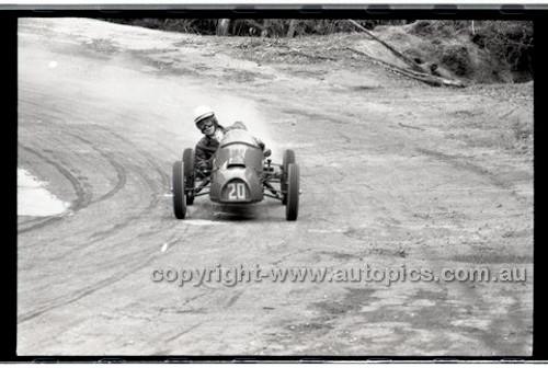 Rob Roy HillClimb 10th August 1958 - Photographer Peter D'Abbs - Code RR1658-116