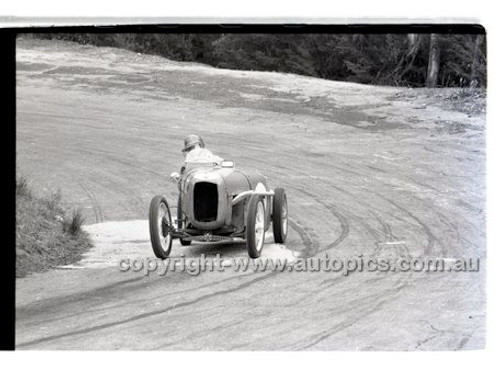 Rob Roy HillClimb 10th August 1958 - Photographer Peter D'Abbs - Code RR1658-125