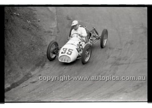 Rob Roy HillClimb 10th August 1958 - Photographer Peter D'Abbs - Code RR1658-134