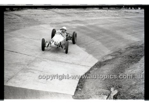 Rob Roy HillClimb 10th August 1958 - Photographer Peter D'Abbs - Code RR1658-136