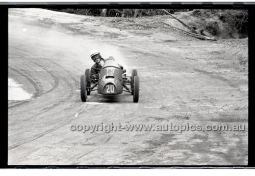 Rob Roy HillClimb 10th August 1958 - Photographer Peter D'Abbs - Code RR1658-139