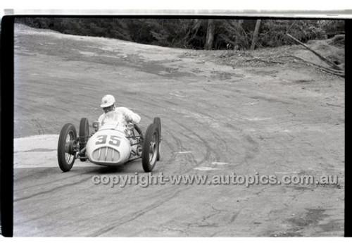 Rob Roy HillClimb 10th August 1958 - Photographer Peter D'Abbs - Code RR1658-143