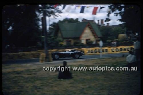Albert Park 1956 - Photographer Peter D'Abbs - Code 56-AP-012