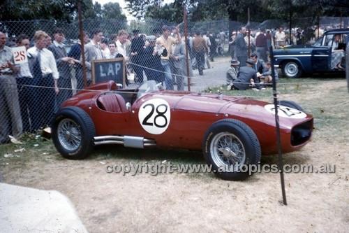 Albert Park 1956 - Photographer Peter D'Abbs - Code 56-AP-035