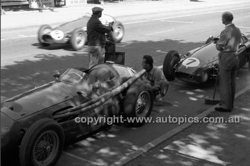 Albert Park 1956 - Photographer Peter D'Abbs - Code 56-AP-045