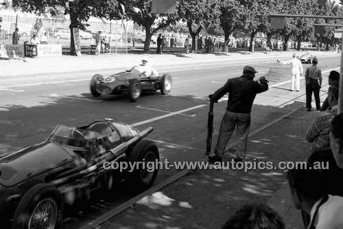 Albert Park 1956 - Photographer Peter D'Abbs - Code 56-AP-047