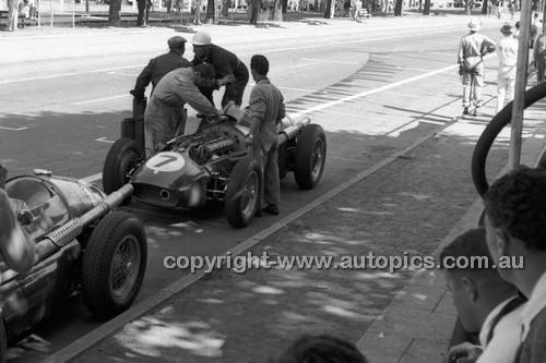 Albert Park 1956 - Photographer Peter D'Abbs - Code 56-AP-048