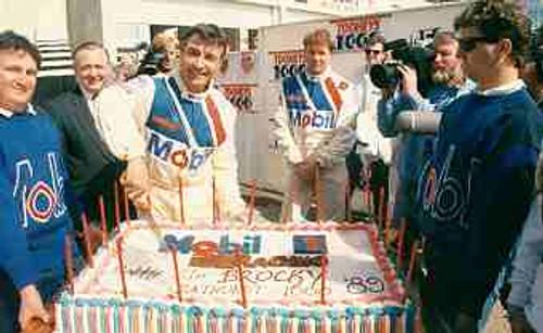 89715 - Peter Brock Celebrates his 21st Bathurst - Bathurst 1989