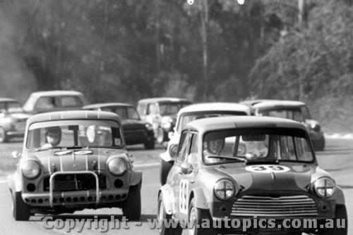 72032 - Alan Waterson - Morris Cooper S - Warwick Farm 1972